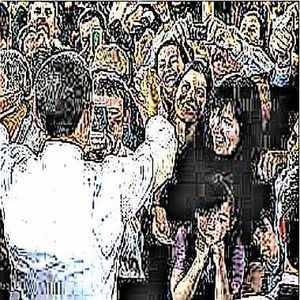 Les leader charismatiques exercent un véritable ascendant sur leur entourage et sont capables de galvaniser les foules ou de motiver une équipe de travail.