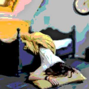 La nuit, les enfants ont tendance à beaucoup bouger, au point de tomber de leur lit. Mais avec le temps, il finissent par intégrer les dimensions de leur lit et à contrôler leurs mouvements nocturnes.