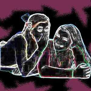 Les potins jouent un rôle important dans les relations de travail ou amicales, même si certains ragots sont éthiquement discutables.